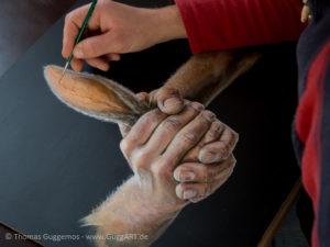 Hände malen mit Acryl - Das Ohr