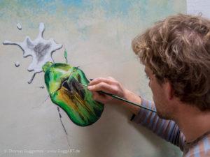 Schimmernder Käfer mit Acryl malen - Die Farbpalette wird größer